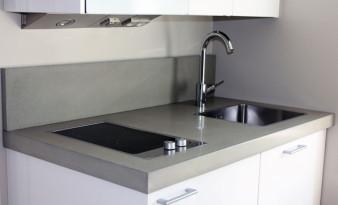 Keittiön taso betonista (Sisustusbetoni Oy)