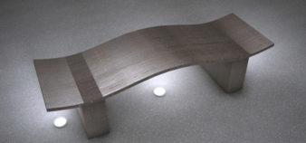 Pöytä läpinäkyvästä betonista (transparent concrete)